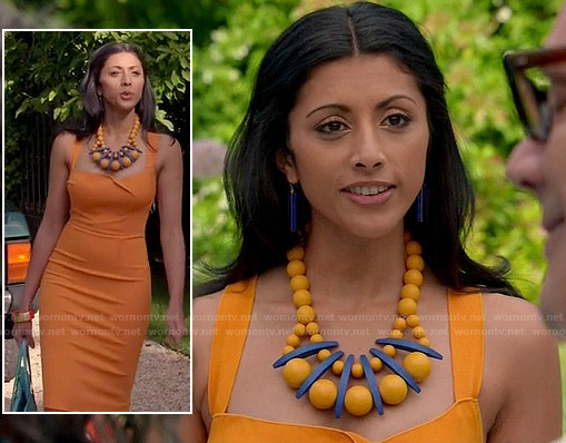 divyas-orange-dress-ball-necklace